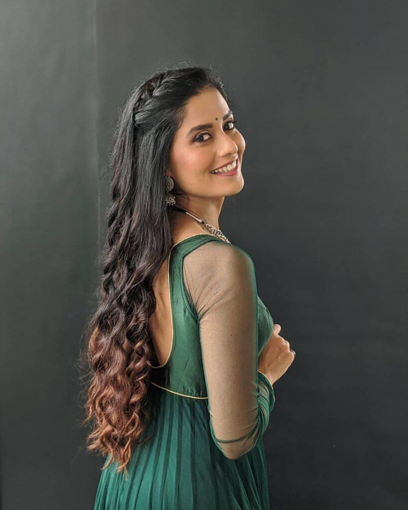 Sonal Devraj Dance, YouTube